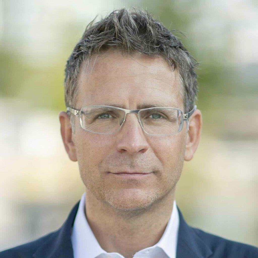 Portrait Dr. Florian Novak